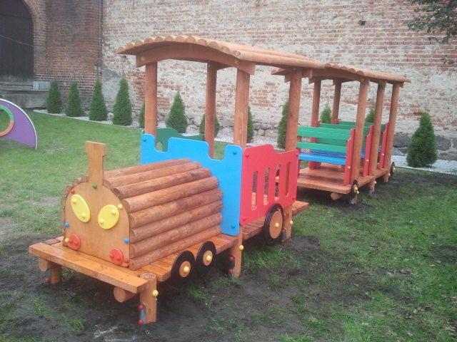 Lokomotywa wraz z Wagonem I klasa w Przedszkolu w Górznie