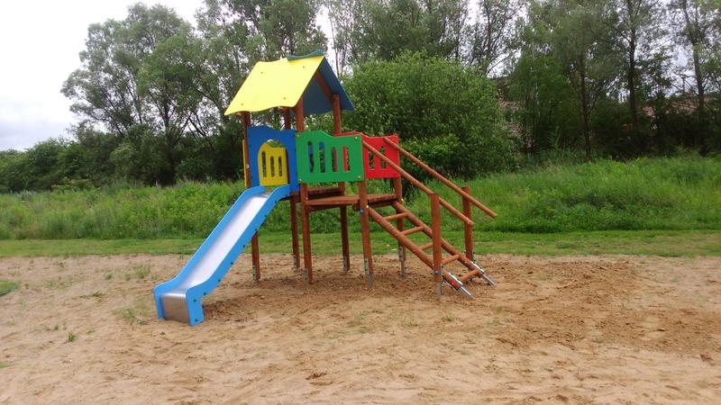 Nowe urządzenia na placu zabaw Wspólnoty Mieszkaniowej w Gnieźnie